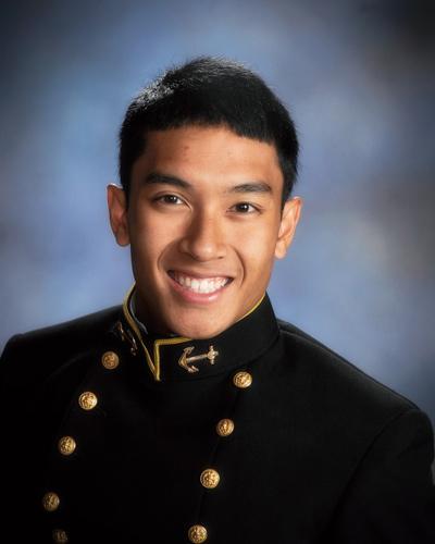 Thiếu Úy Hải Quân Ryan Lê.