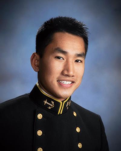 Thiếu Úy Hải Quân Jake Ðặng.