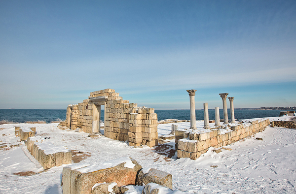 Các di tích đế chế La Mã xưa kia còn sót lại trên bán đảo.