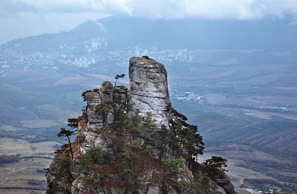 Ngọn núi đã này gần giống núi Thiên Môn Sơn - một trong những kỳ quan thiên nhiên của Trung Quốc.