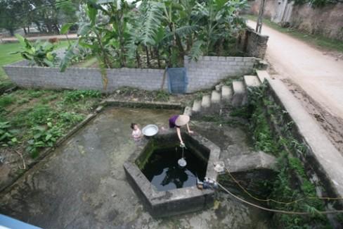 Người làng gọi là giếng Lẽ vì nằm ở ngõ Lẽ, làng Hạ Lát, xã Tiên Sơn, huyện Việt Yên, tỉnh Bắc Giang.