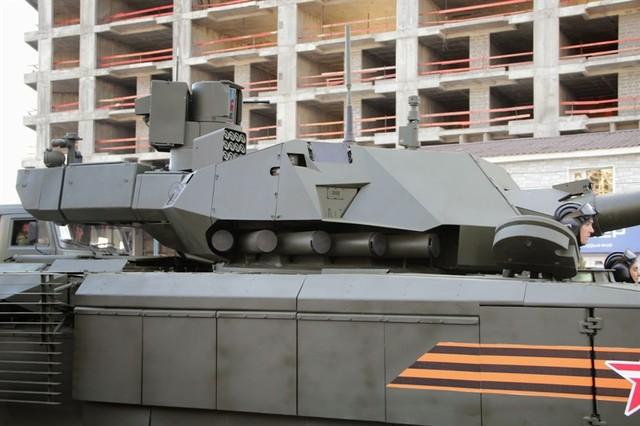 Làm dấy lên nghi ngờ một số bộ phận của xe tăng Armanta mới chỉ được làm tạm bợ
