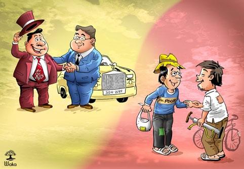 Người giàu bàn về ý tưởng, người nghèo buôn chuyện tào lao.