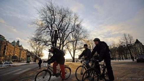 Người đi xe đạp ở trung tâm Stockholm (Ảnh: Olivier Morin/Getty)