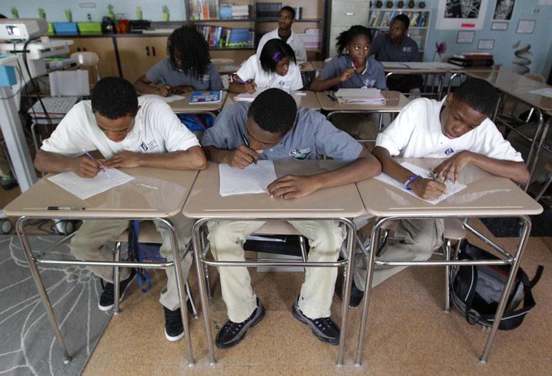 Học sinh trong một lớp học nâng cao ở Baltimore, Mỹ ngày 1/5/2012. Cũng thời điểm này, 2 triệu học sinh đã tham gia 3,7 triệu kỳ thi cuối năm dành cho lớp nâng cao – một con số cao gấp đôi so với cách đó một thập kỷ. Ảnh: AP
