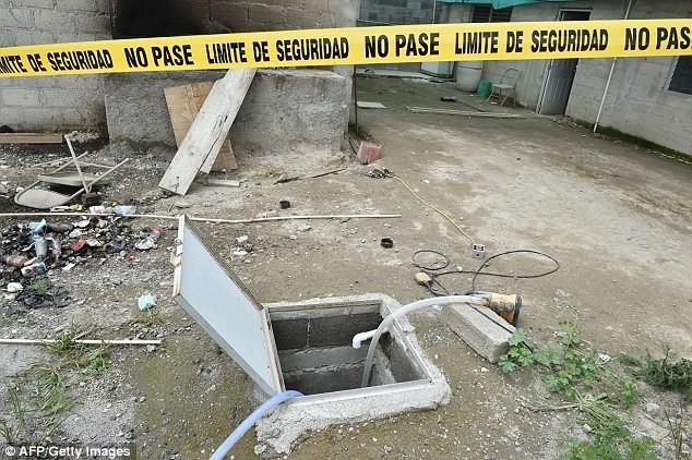 Hiện trường vụ vượt ngục chấn động Mexico hôm 11/7. Ảnh: AFP