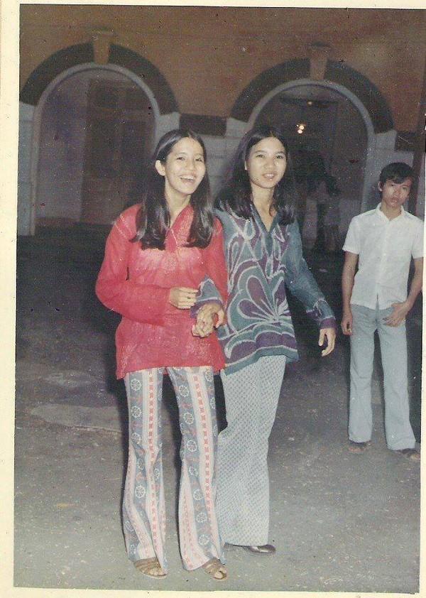 Nữ sinh trường trung học Marie Curie, Sài Gòn thập niên 70.