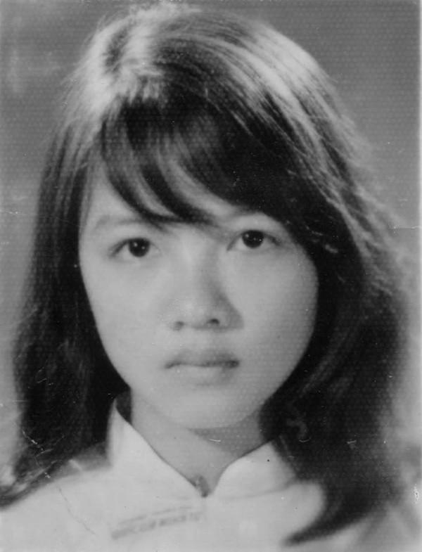 Nữ sinh lớp Đệ Tam (tương đương lớp 10) trường Quốc Gia Nghĩa Tử, Sài Gòn năm 1968.