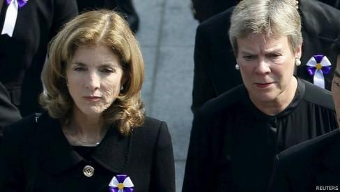 Đại sứ Hoa Kỳ tại Nhật Bản Caroline Kennedy cũng có mặt tại lê tưởng niệm