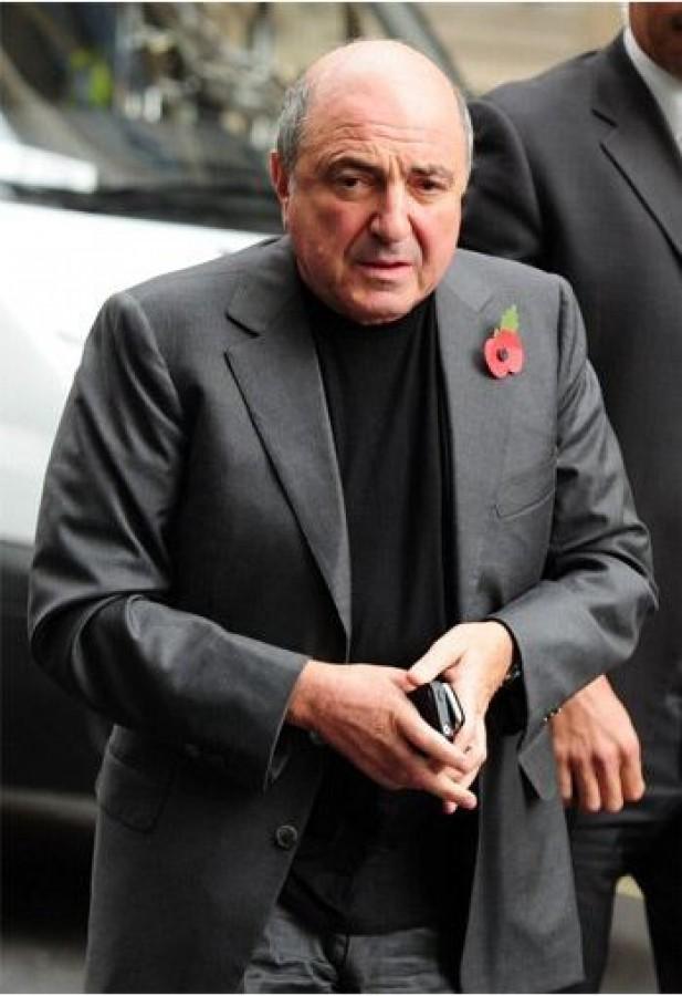 Berezovsky trong thời gian nghỉ tại một phiên tòa ở Tòa án Tối cao London hôm 2-11-2011.