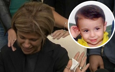 Bà Tima Kurdi, người bác ruột của bé Aylan Kurdi khóc ngất trước cái chết của em dâu và hai cháu trai bé bỏng.