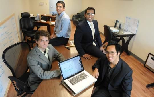 Kenny Nguyen cùng những người cộng sự của anh