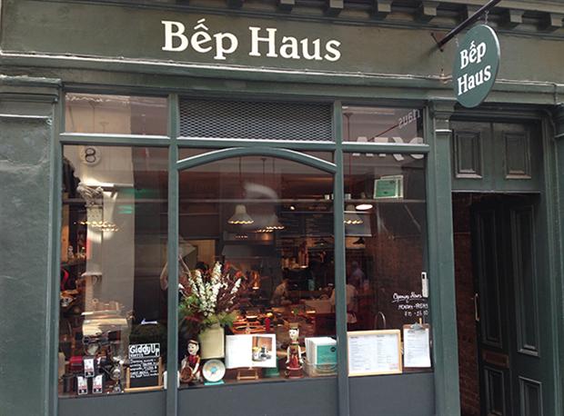 Cửa hàng thứ 3 của Vân Trần và Thùy Anh  mang tên Bếp Haus.