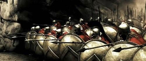Bất kỳ công dân nam Sparta nào cũng đều là chiến binh chuyên nghiệp từ khi mới sinh cho tới khi 60 tuổi. Họ sẽ phải trải qua quá trình huấn luyện khủng khiếp và vô cùng khắc nghiệt so với bất cứ dân tộc nào.