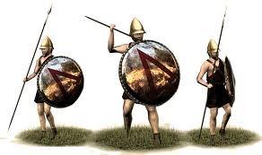 Họ có thể tự do đi lại đến các thành bang khác, sở hữu đất đai và được phép thực hiện các giao dịch. Khá nhiều người trong số tầng lớp perioikoi là người của các thành bang khác bị dân tộc chiến binh Sparta đánh bại.