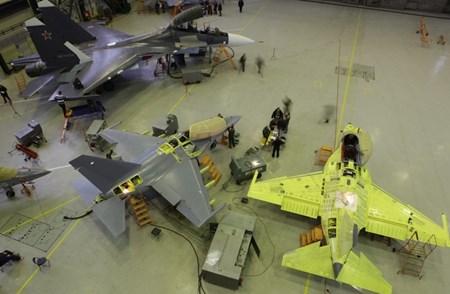 Hai anh em Yak-130 và Su-30M. Ảnh Irkut