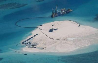 Đảo nhân tạo do Trung Quốc xây dựng ở Biển Đông, ảnh minh họa chụp hôm 15/5/2014.
