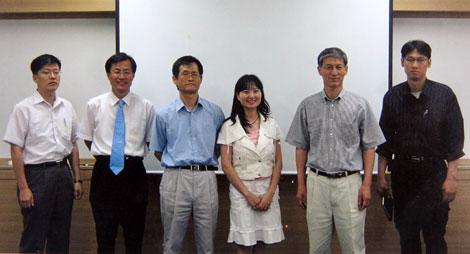 PGS.TS Lê Nhất Tú cùng các đồng nghiệp.