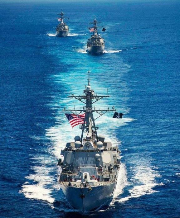 3 chiến hạm Mỹ tuần tra trên Biển Đông