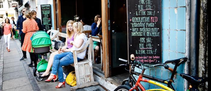Môt quán cà phê ở Copenhagen, Đan Mạch (Ảnh: Google Image Travel)