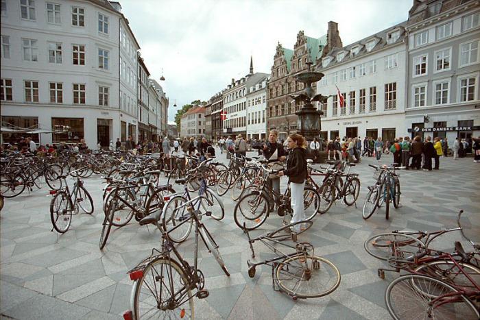 """""""Giờ cao điểm"""" ở thủ đô Copenhagen, Đan Mạch (Ảnh: Google Image Travel)"""