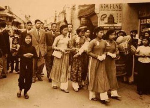 Những hình ảnh giản dị về đám cưới Việt ở thế kỷ 20.