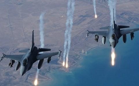 Máy bay Mỹ tham gia không kích IS (Ảnh AP)