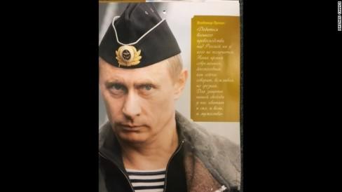 Tháng Mười: Sẽ không ai thành công trong việc đạt được ưu thế về quân sự trước Nga. Quân đội của chúng tôi hiện đại, hiệu quả - như họ nói – lịch sự nhưng đáng gờm. Chúng ta có đủ sức mạnh, ý chí và lòng dũng cảm để bảo vệ tự do của mình