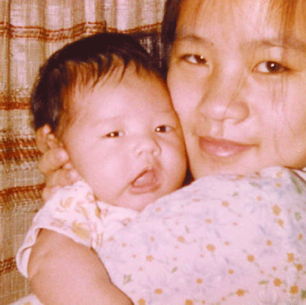 Jora Trang và con gái lúc mới sinh