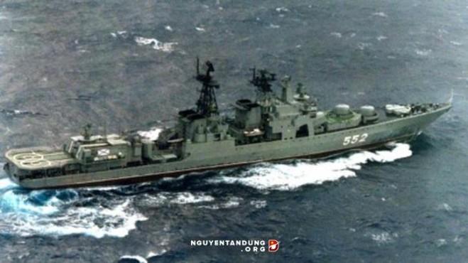 Chiến hạm Đô đốc Tributs của Nga thăm Việt Nam hồi 2012 – hình minh họa