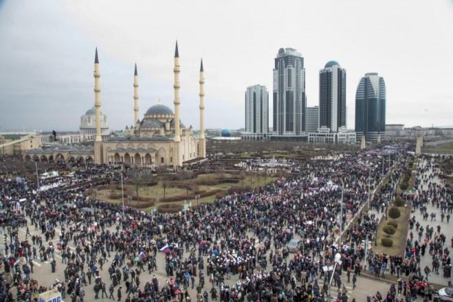 Cuộc biểu tình ủng hộ lãnh đạo Chechnya tại thủ đô Grozny. Ảnh chụp ngày 22-1-2016