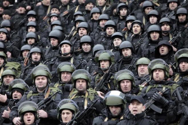 Tổng thống Chechnya đang phát biểu trước lực lượng đặc nhiệm Chechnya. Ảnh chụp ngày 28-12-2014