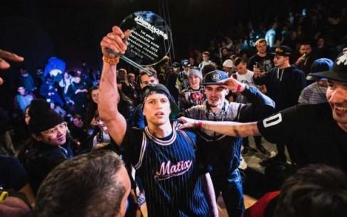 Ukraina Oleg Kuznetsov (b-boy Kuzya) đã giành vị trí vô địch tại Unbreakable Bboy Championship