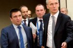 Tổng thư ký NATO Jens Stoltenberg và Ngoại trưởng Ukraine Pavlo Klimkin